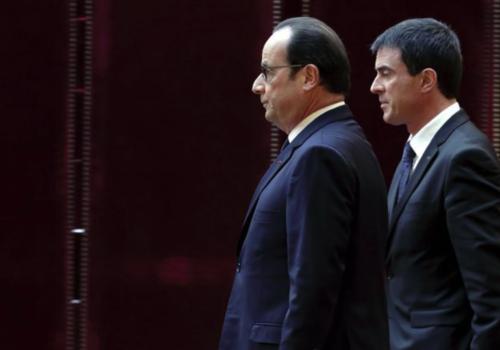 Le président François Hollande (G) et le Premier ministre Manuel Valls (D), le 19 janvier 2015 à Paris / Pool/AFP